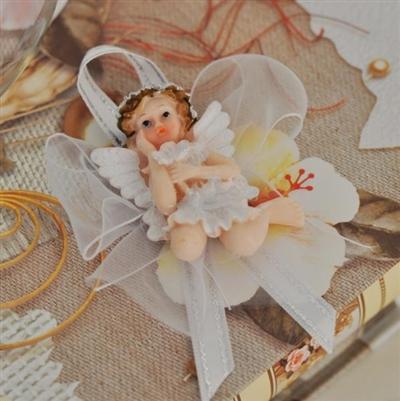 Бяло ангелче с панделки от органза
