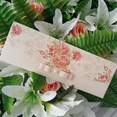 Елегантни, сватбени покани с цветя