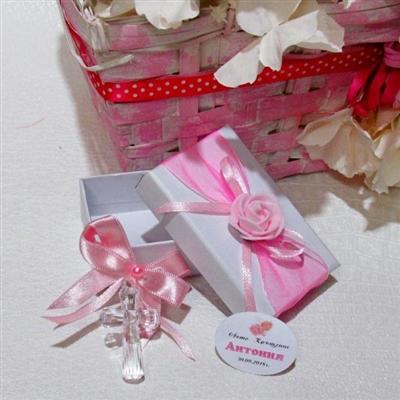 Кръстче с розова панделка