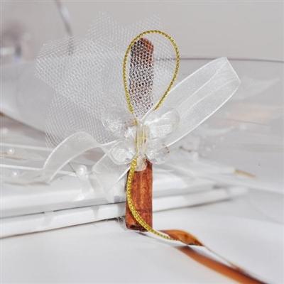 Подаръци за гости - канелена пръчица с пеперуда