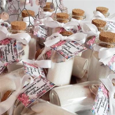 Подаръци за гости - шишенца с цветен пясък