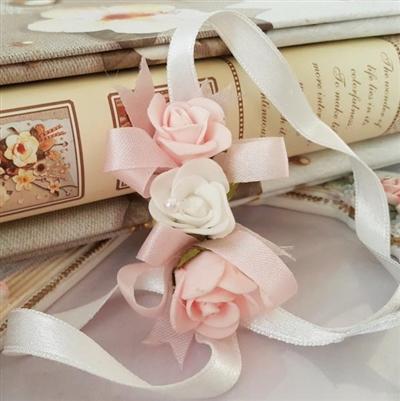 Сватбена гривна с розови рози