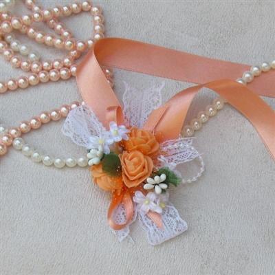 Сватбени гривни в цвят праскова