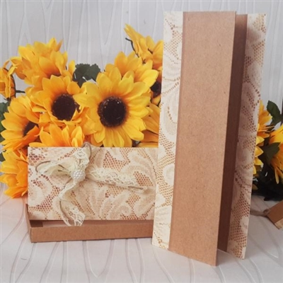 Сватбени покани в луксозна кутийка