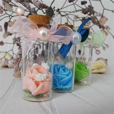 Сватбени шишенца с разкошни рози