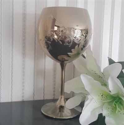 Сватбен бокал в златисто