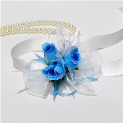 Шаферски гривни със сини рози