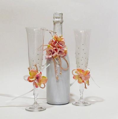 Сватбено шампанско и чаши в комплект