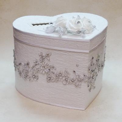 Сватбена кутия