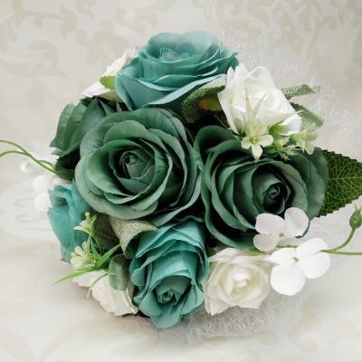 Луксозен Булчински букет с рози в цвят тюркоаз