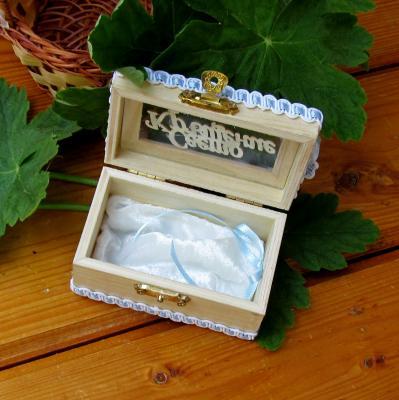 Дървена кутийка за косичка